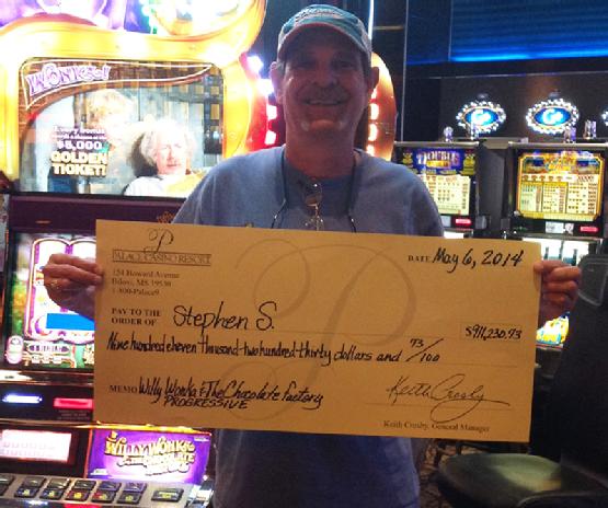 Florida man wins a scrumdiddlyumptious jackpot at his favorite casino!